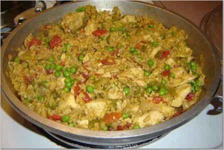 http://www.google.com/imgres?imgurl=http://www.wizardrecipes.com/upload/arroz-con-pollo.jpg&imgrefurl=http://www.wizardrecipes.com/recipes/arroz%2Bcon%2Bpollo.html&usg=__ia1ZmebCdc5UZMiWCkyMmRBxA_Q=&h=300&w=448&sz=32&hl=en&start=1&zoom=1&um=1&itbs=1&tbnid=teooZ6cDhcq-RM:&tbnh=85&tbnw=127&prev=/images%3Fq%3Darroz%2Bcon%2Bpollo%26um%3D1%26hl%3Den%26sa%3DN%26tbs%3Disch:1&ei=6NGATe-rLYGisQP9qOnvBQ