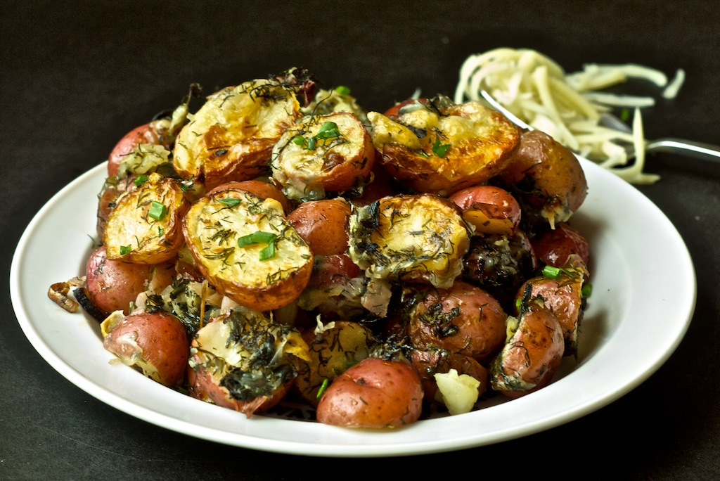 ROASTED BABY POTATOES with Herbs and Garlic | WizardRecipes