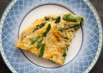 FRITTATA WITH ASPARAGUS, Tomato, and Fontina Cheese