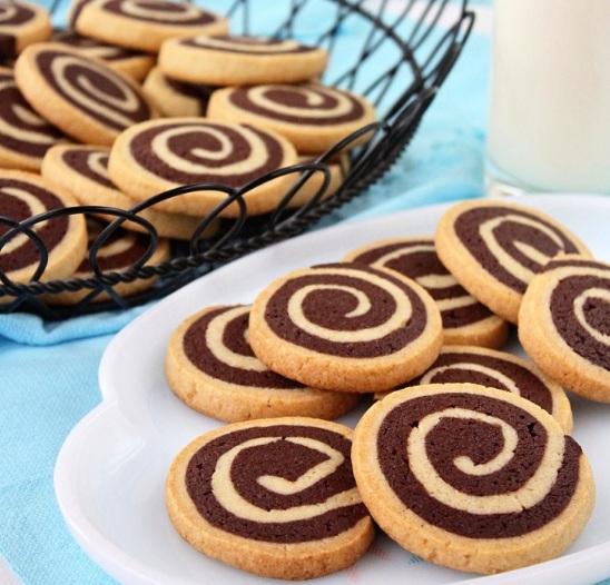 Chocolate Pinwheel Cookies Wizardrecipes