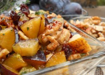 Autumn fruit salad with thyme and ginger