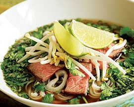 VIETNAMESE RICE NOODLE SOUP WITH BEEF AND