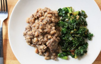 BLACK-EYED PEAS WITH SMOKED HAM HOCKs