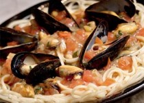 Linguine with Mussels and Sun-Dried Tomatoes